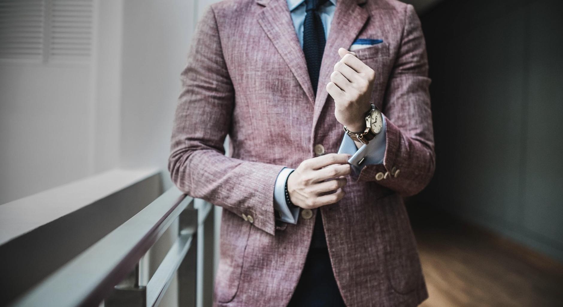 Costume coloré pour homme