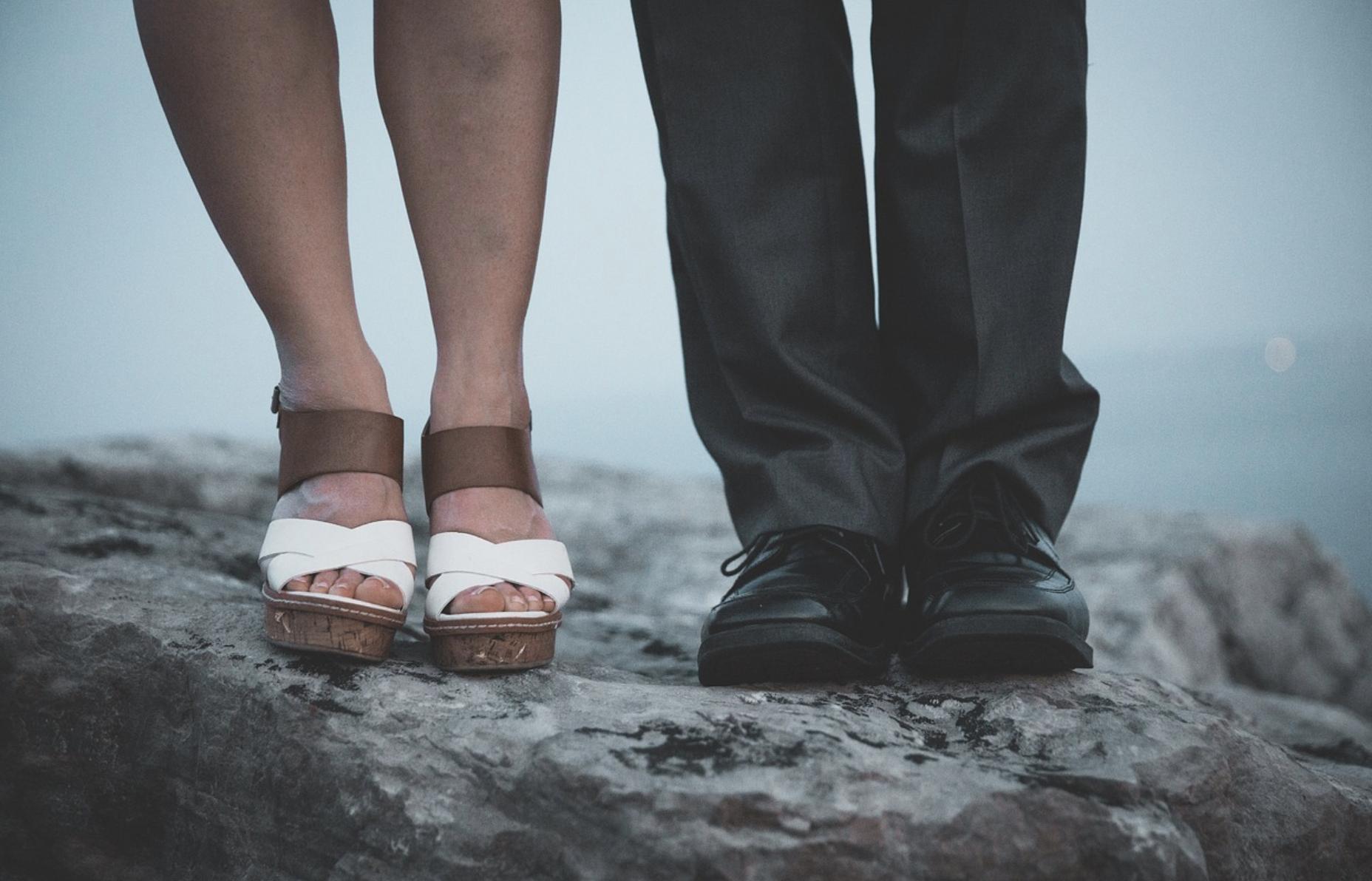 Des sandales