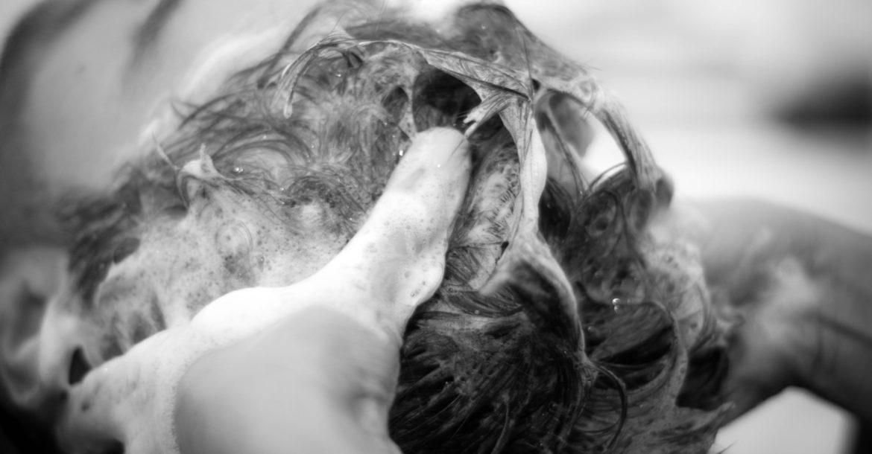 Entretenir les cheveux tous les matins